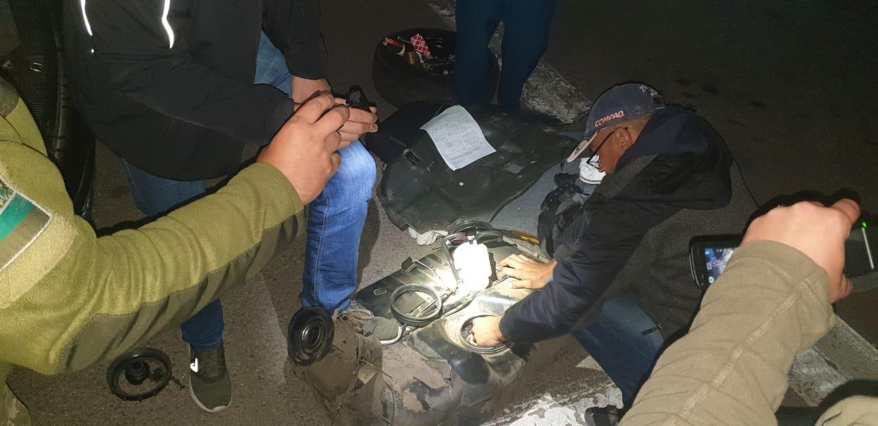 Херсонские пограничники не пустили в Крым наркокурьера с «затаренным» топливным баком